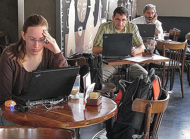 Coffee Shop Phone call
